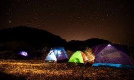캠핑 섹스 : 텐트 안을 확실히 뜨겁게 하기 위한 9가지 방법